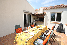 sitting area at L'lavandes holiday home for rent, Languedoc, France